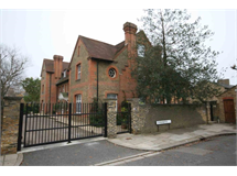 3 Bed Flats And Apartments in South Ealing property L2L2271-213