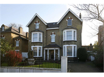 6 Bed House in Surbiton property L2L2289-223