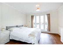 3 Bed Flats And Apartments in Long Ditton property L2L2289-224