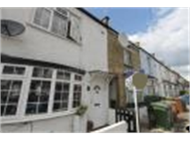 4 Bed House in Edgware property L2L230-176