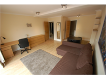 3 Bed Flats And Apartments in Brent Cross property L2L231-337