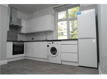 3 Bed Flats And Apartments in Eltham property L2L232-307
