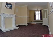 2 Bed House in Heathway property L2L2402-452