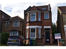 4 Bed House in Wealdstone property L2L2445-372