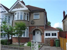 3 Bed House in Harrow Weald property L2L2445-395