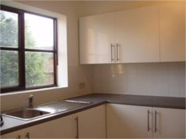 Property & Flats to rent with So Suite Properties L2L245-128