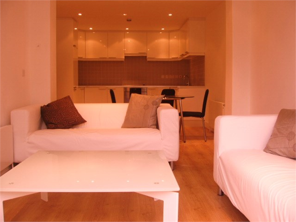 Property & Flats to rent with So Suite Properties L2L245-142
