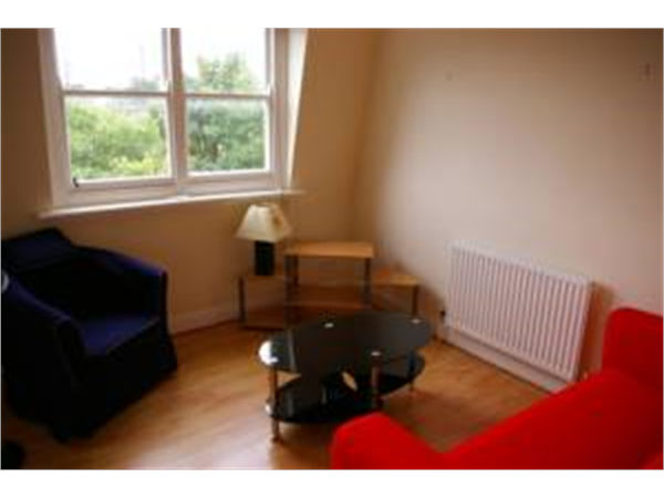 Property & Flats to rent with So Suite Properties L2L245-438