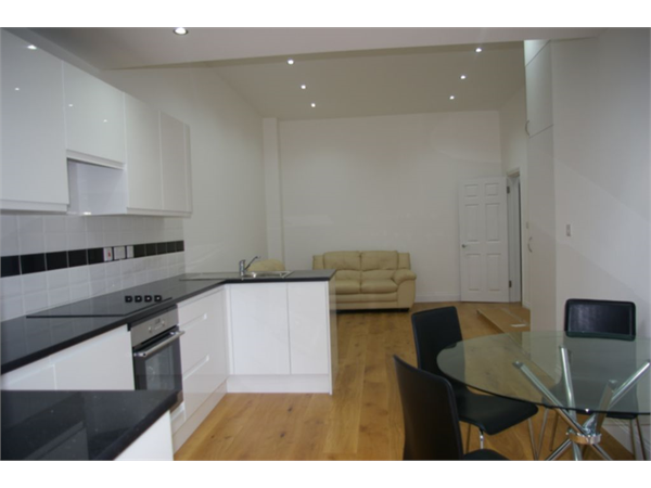 Property & Flats to rent with So Suite Properties L2L245-146