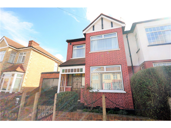 Property & Flats to rent with Hobarts (N22) L2L2451-301