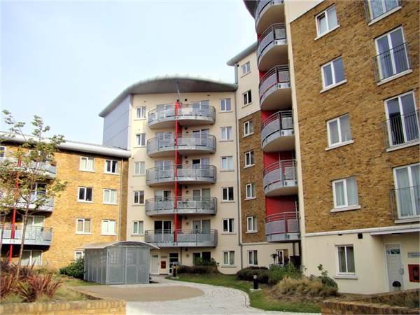Property & Flats to rent with Lloyds Residential Bethnal Green L2L2718-7470