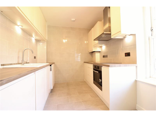 Property & Flats to rent with Lloyds Residential Bethnal Green L2L2718-7584