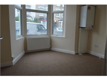 1 Bed Flats And Apartments in Friern Barnet property L2L28-332