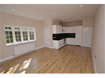 2 Bed House in Woodside Park property L2L28-241