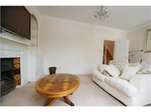 3 Bed Flats And Apartments in Castelnau property L2L29-265