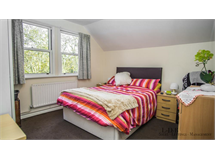 1 Bed Flats And Apartments in Castelnau property L2L29-114