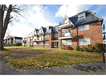 2 Bed Flats And Apartments in Addlestone Bourneside property L2L3126-468