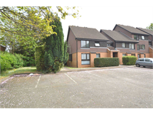 2 Bed Flats And Apartments in Chertsey Meads property L2L3126-475