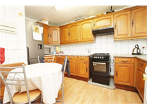 4 Bed Flats And Apartments in Stepney property L2L3186-553