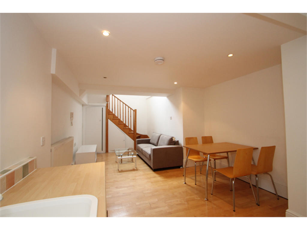 Property & Flats to rent with Square Quarters Letting Agents (Islington) L2L3336-8303