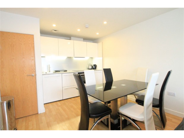 Property & Flats to rent with Square Quarters Letting Agents (Islington) L2L3336-1307