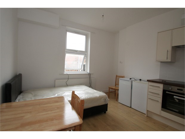 Property & Flats to rent with Square Quarters Letting Agents (Islington) L2L3336-571