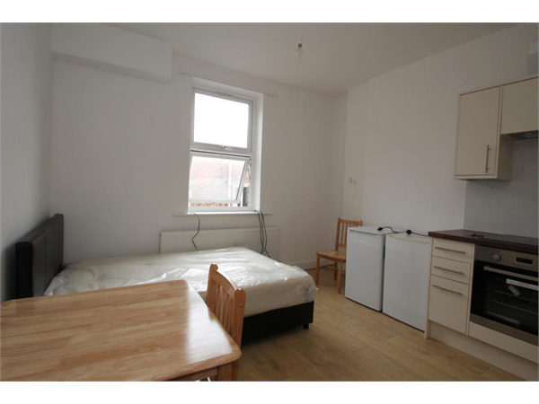 Property & Flats to rent with Square Quarters Letting Agents (Islington) L2L3336-767