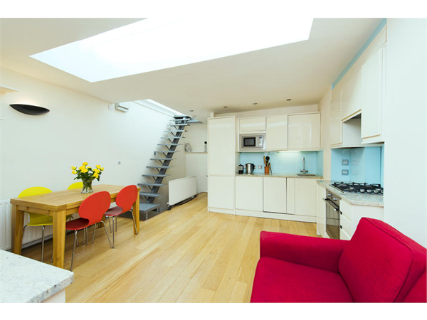 Property & Flats to rent with Square Quarters Letting Agents (Islington) L2L3336-893