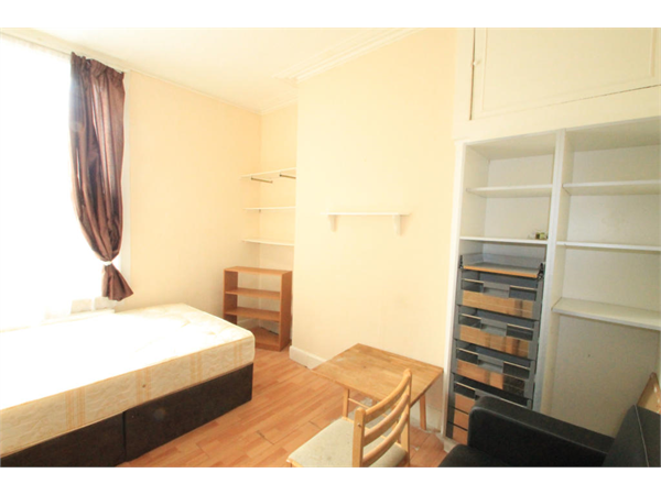 Property & Flats to rent with Square Quarters Letting Agents (Islington) L2L3336-887