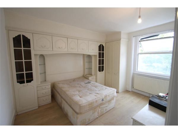 Property & Flats to rent with Square Quarters Letting Agents (Islington) L2L3336-914