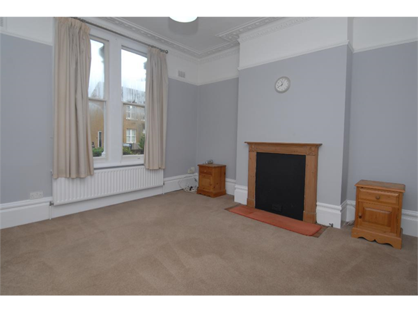 Property & Flats to rent with Tennisonproperty (Wimbledon) L2L3476-351