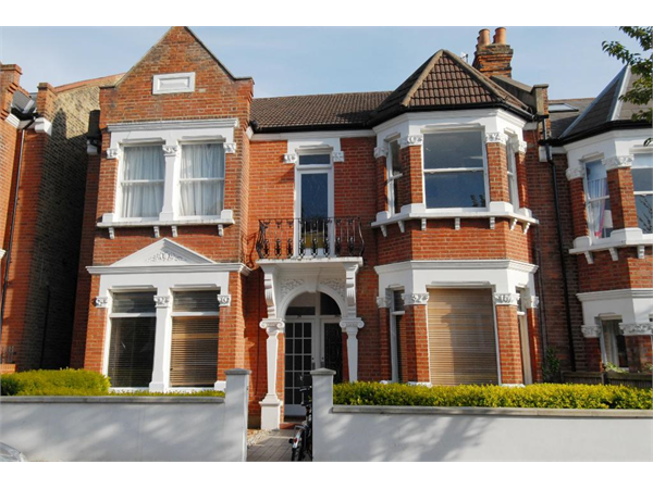 Property & Flats to rent with Tennisonproperty (Wimbledon) L2L3476-259