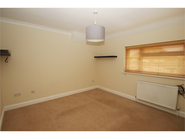 Property & Flats to rent with Kenton L2L358-284