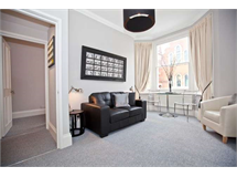 2 Bed Flats And Apartments in Chiswick property L2L3702-462