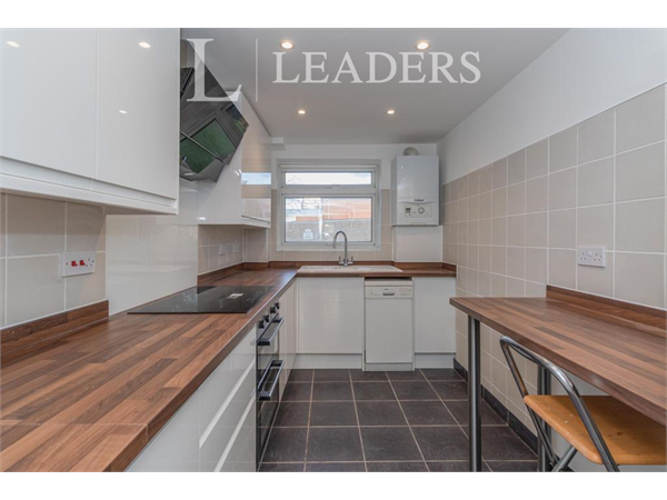 Property & Flats to rent with Leaders (Sutton) L2L3777-2951