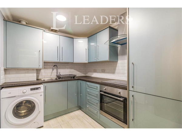 Property & Flats to rent with Leaders (Sutton) L2L3777-1936
