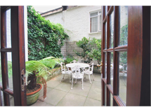 3 Bed Flats And Apartments in Queens Gate property L2L388-215