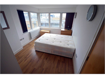 2 Bed Flats And Apartments in Canary Wharf property L2L3914-2946