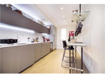 3 Bed House in Hackney property L2L3937-684