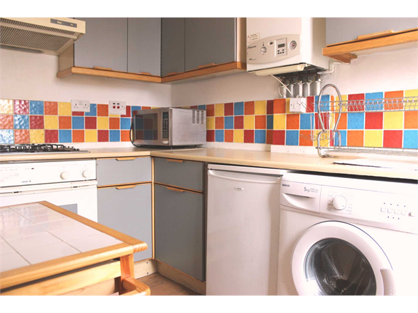 Property & Flats to rent with Knight Bishop (Hackney) L2L3937-1397