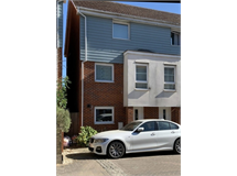 4 Bed House in Yiewsley property L2L395-2356
