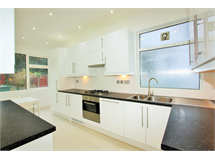 4 Bed House in Hendon property L2L3961-867