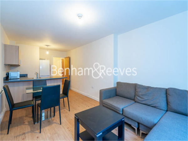 Property & Flats to rent with Benham and Reeves  (Beaufort Park) L2L397-138