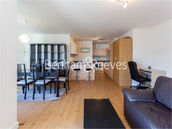 Property & Flats to rent with Benham and Reeves  (Beaufort Park) L2L397-294