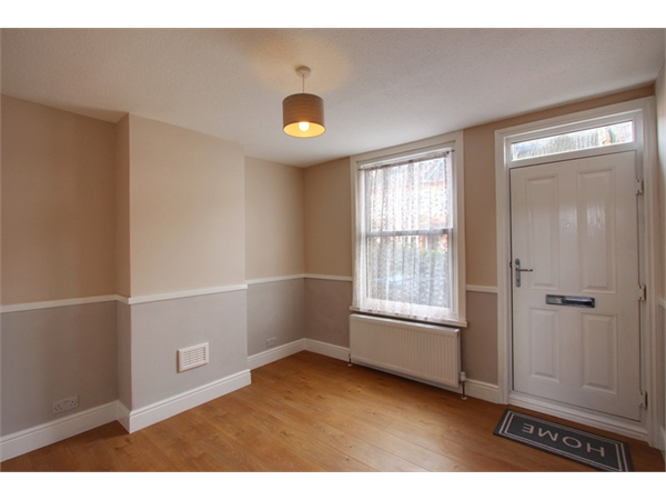 Property & Flats to rent with Atkinsons Residential L2L3970-687