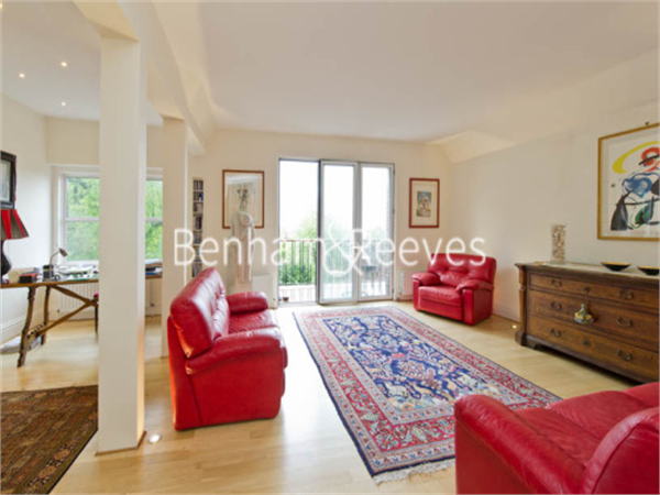 Property & Flats to rent with Benham and Reeves (Hampstead) L2L398-333