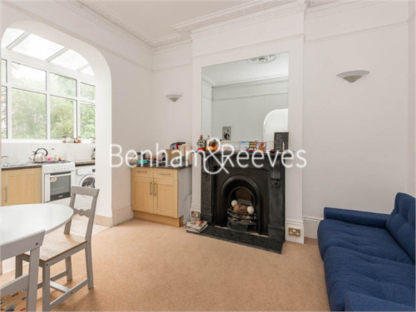 Property & Flats to rent with Benham and Reeves (Hampstead) L2L398-429