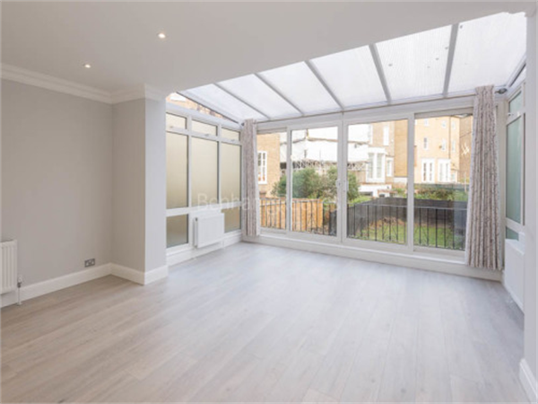 Property & Flats to rent with Benham and Reeves (Hampstead) L2L398-517