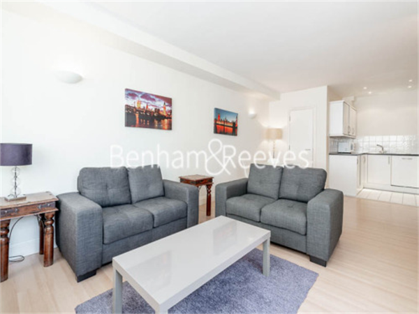 Property & Flats to rent with Benham and Reeves (City) L2L400-156