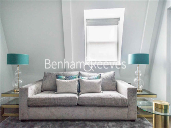 Property & Flats to rent with Benham and Reeves (City) L2L400-371